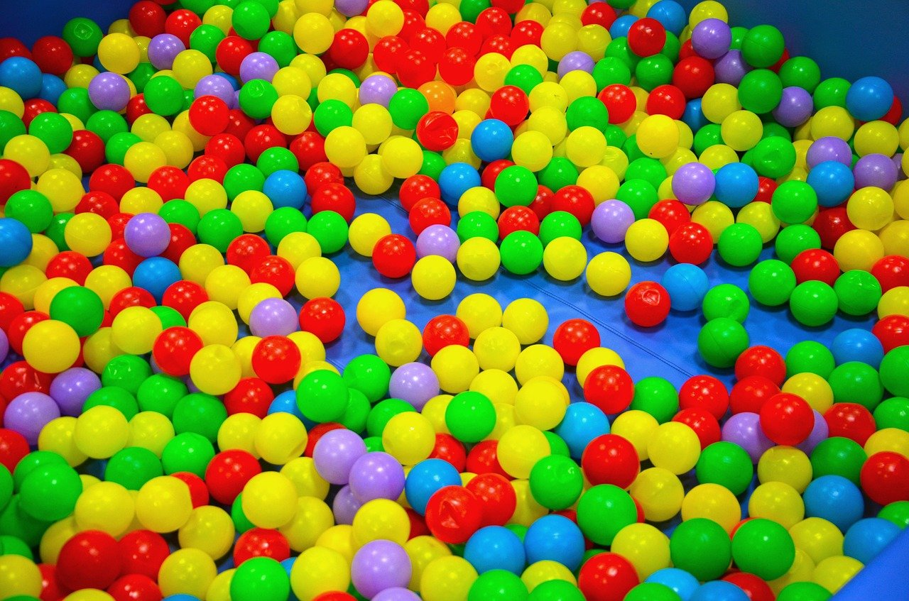 Quels sont les avantages de la piscine à boule bébé ?